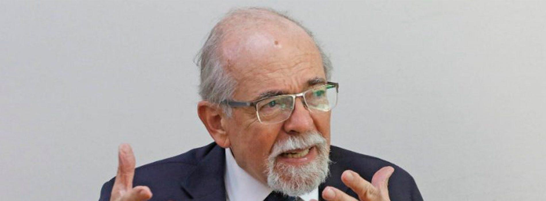 """José Maza: """"La viga maestra para el desarrollo no es el cobre, es la inteligencia de los 17 millones"""""""