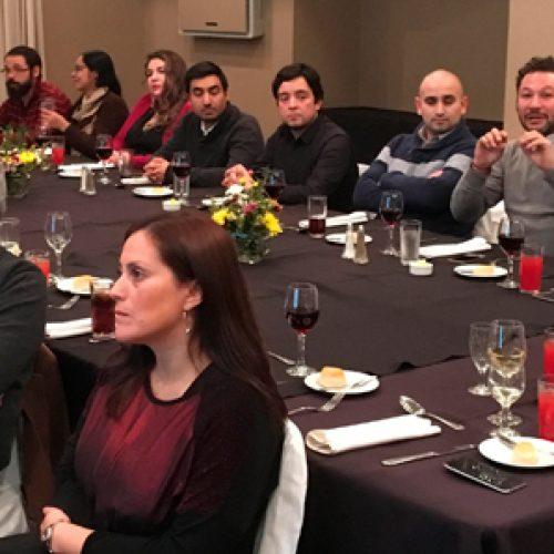 Cena y reunión de socios en Valdivia
