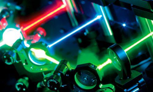 SERIE PREMIOS NOBEL: ¿Cómo se relaciona el Premio Nobel de Física 2018 con el Perú? – Pinzas ópticas en Lima
