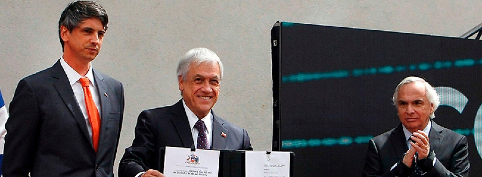 Académico de la U. de Chile Andrés Couve es el primer ministro de Ciencia y Tecnología del país