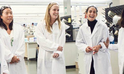 Invitación a encuentro entre mujeres en el área STEM